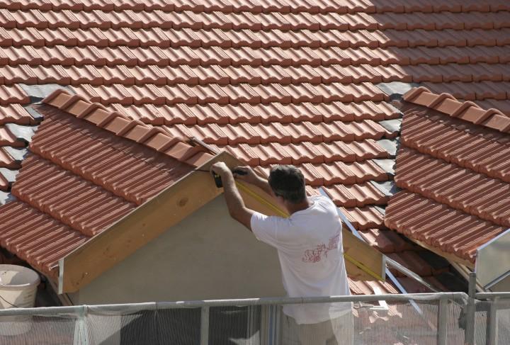 Jak Prawid Owo Wykona Wiatrownic Dach Budowa